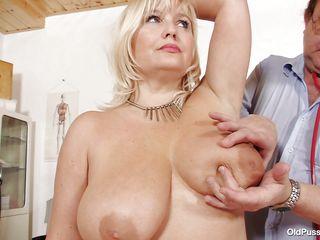 blonde mature slut examined in her large wet crack