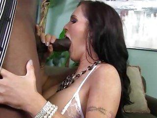 Jenna Presley throat copulates a massive skin flute
