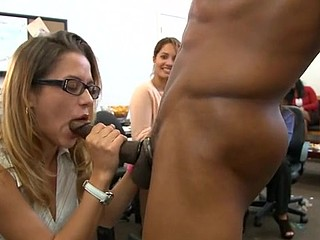 Fortunate babe gets to suck a stylish stud's pecker