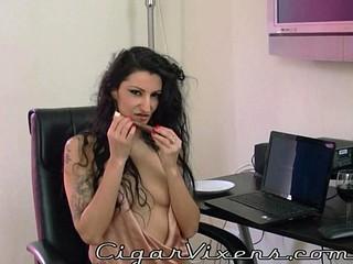 Lily SMOKES a cigar