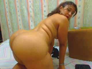 Large booty MILF