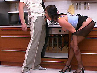 Gwendolen&Adam perverted pantyhose job episode