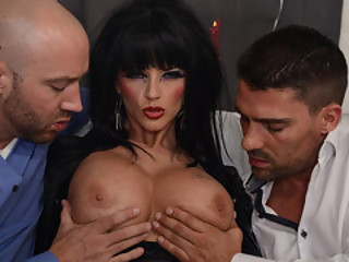Man Meat Craving MILF Joslyn James