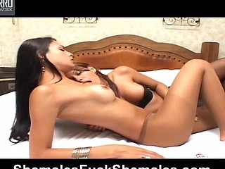 Laiza&Crys seductive shemales on clip