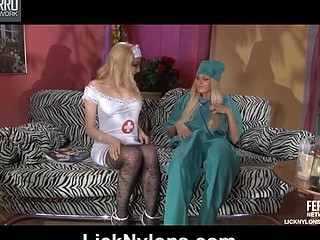 Judith&Dolly nylons lesbo action