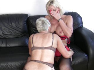 mature blond lesbians having fun and hard sex
