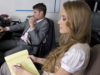 Lengthy haired blondie seducing her boss