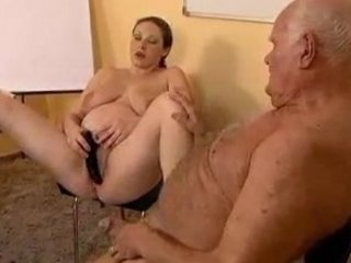 Old guy fucks a preggy girl