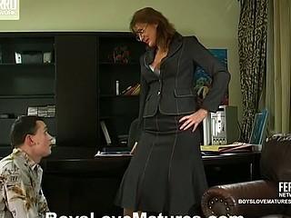 Bridget&Connor red sexy older episode