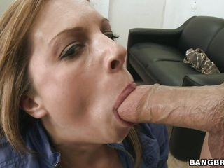 gorgeous milf ashlee sucking and fucking a big dick