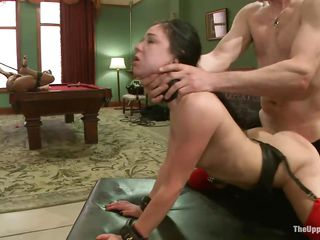 slave cunt licks a wet snatch
