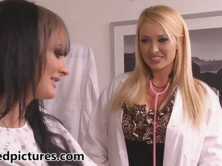 Sexy doctor Summer Brielle Taylor seduces Alektra Blue