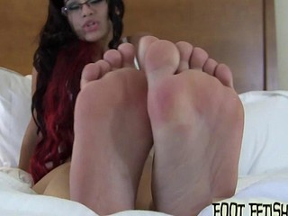 Sucking on Sahryes ideal little toes
