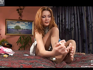Stephanie nylon feet teaser