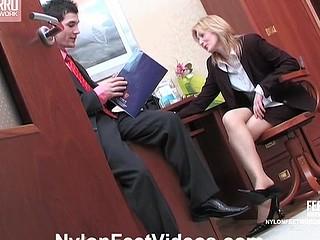 Isabella&Vitas breathtaking nylon feet episode