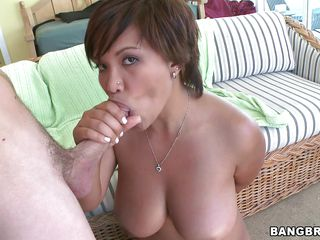reina having sex with a lascivious man