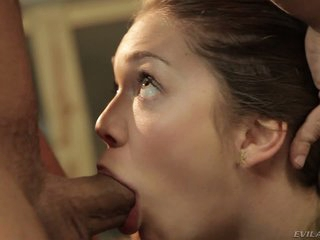 Jessie Andrews gives deep blowob to Mr. Pete