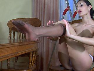 Cora nylon feet act