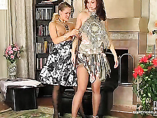 Jaclyn&Susanna nasty hose movie
