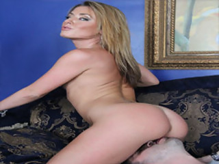 Breathtaking MILF Sheena Shaw Gets A Licked