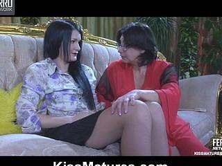 Lillian M&Hetty mature lesbo movie