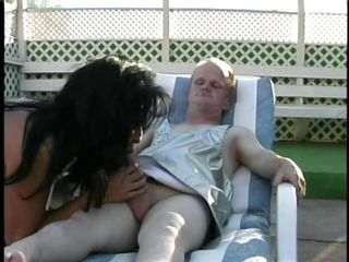 lucky midget getting fellatio from a hot chick