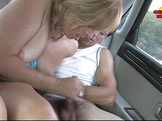 blonde mature lady getting double orall-service
