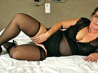 Chubby whore on high heels is stimulating her bawdy cleft hole