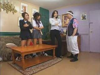 Japanese girls having joy (1 of 3)