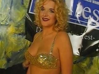 Big Boobs Blonde Slut Teasing Sho...