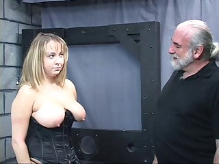 Old stud dom pulls chubby sub&#039,s hair and smacks her big tit