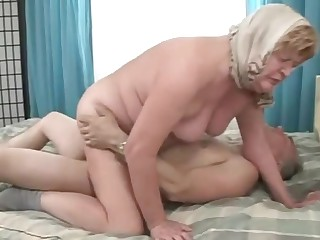 Elder grandma bows over and gets crashed doggystyle