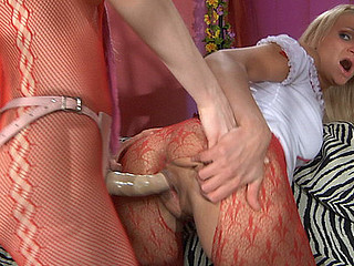 Dolly&Judith kinky hose episode