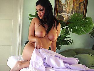 Nadia's Pervert Masseuse Experience
