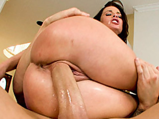 Hairstylist Veronica Avluv Need Of A Good Shagged