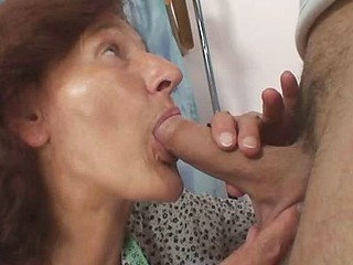 Old pussy slammed with hard pecker