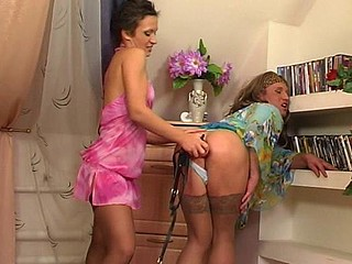 Sheila&Adrian dong sissysex action